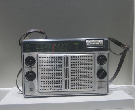 Une photo de Lise: une vieille radio dans le musée de la ville.