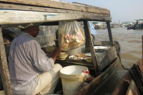 Un bateau petit-déjeuner!