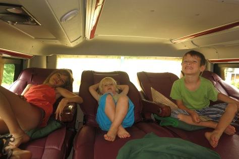 Quel luxe, ce bus-couchette pour un trajet diurne!