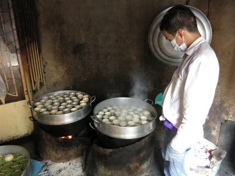 Fabrique artisanale de gâteaux à la noix de coco