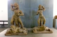 Des gardiens du temples