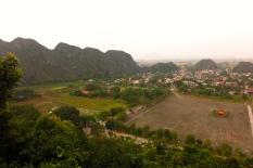 Vue sur le site de Hoa Lu