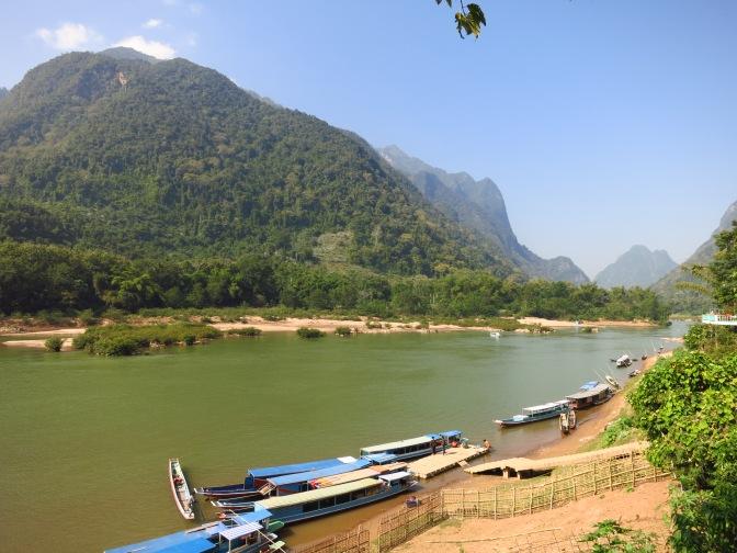 Une longue étape à Muang Ngoy