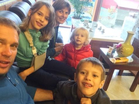 Selfie familial en arrivant à l'hôtel.