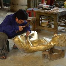 Dans la fabrique de bouddhas
