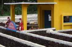 Un labyrinthe à proximité des temples