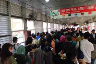 Le Transjakarta aux heures de pointe