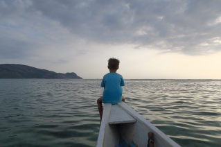 Loïc à la pêche avec papa