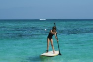 Lise s'essaye au Stand-up paddle