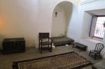 Les lits était placés sous une arche, zone sécurisée en cas de tremblement de terre