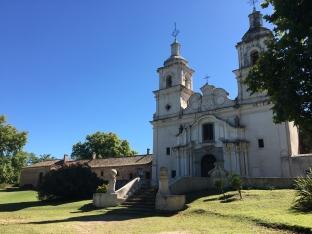 La facade de l'estancia Santa Catalina