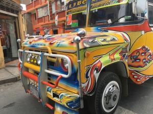Les bus d'Oruro aux couleurs du célèbre carnaval