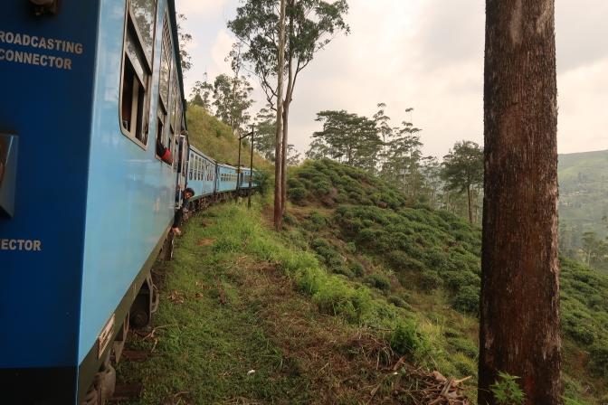 En train à travers les collines – de Kandy à Nanu Oya